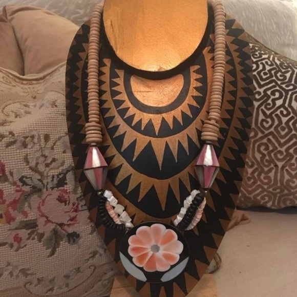 Vintage Jewelry - Vintage Beaded Mother of Pearl Pendant Necklace